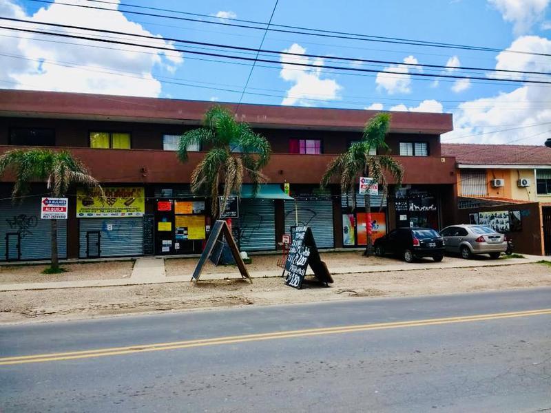 Foto Local en Alquiler en  San Miguel ,  G.B.A. Zona Norte  Irigoin y Granaderos a Caballo