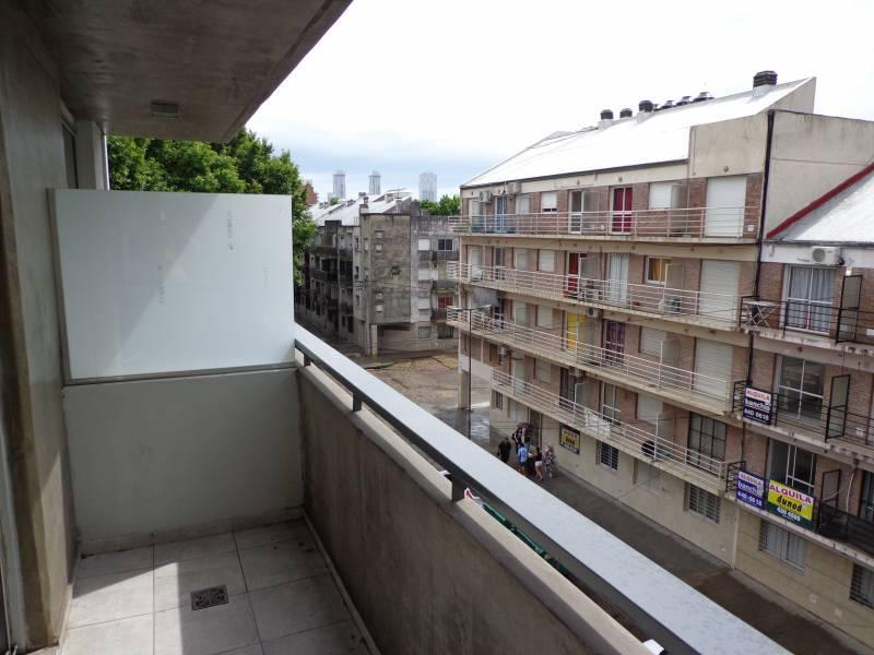 Foto Departamento en Venta en  Rosario ,  Santa Fe  Vera Mujica al 600