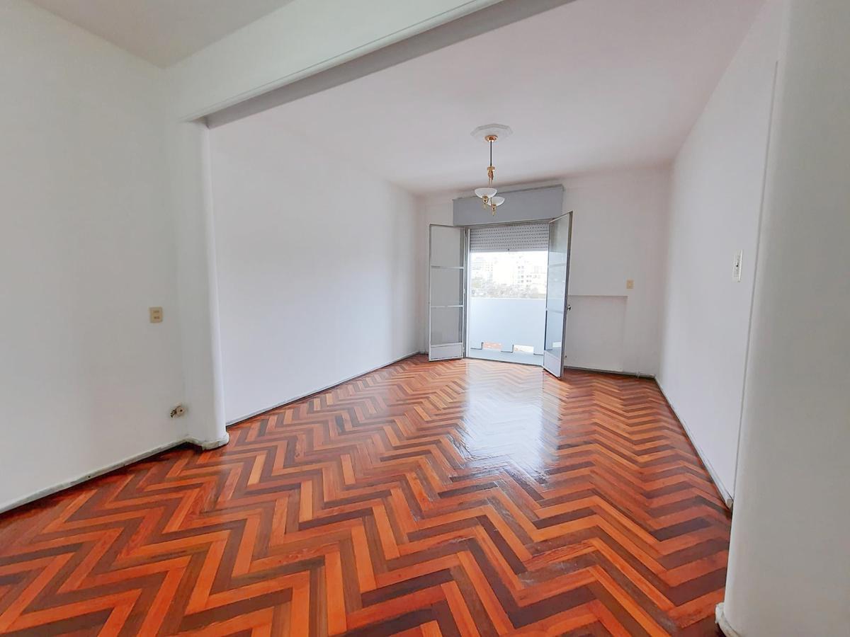 Foto Apartamento en Alquiler en  Centro (Montevideo),  Montevideo  Yaguarón y Uruguay