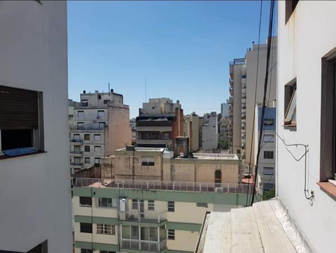 Foto Departamento en Venta en  Recoleta ,  Capital Federal  Córdoba y Gallo 1000 Piso 1. Monoambiente Refaccionado con Balcón Aterrazado. Sup. Total 50 M² Por M² U$D2500