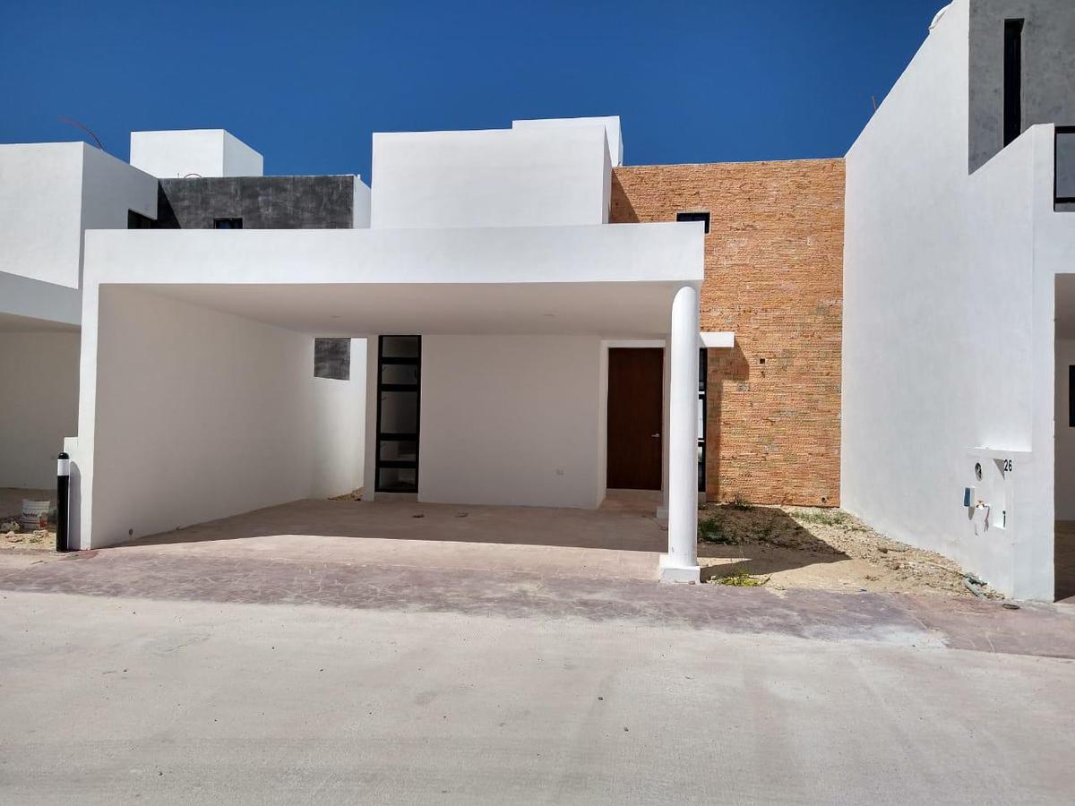 Foto Casa en Renta en  Santa Gertrudis Copo,  Mérida  Renta Casa en Privada Fontana.