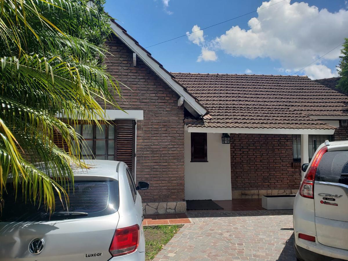 Foto Casa en Venta en  Ituzaingó ,  G.B.A. Zona Oeste  Colombia al 1000
