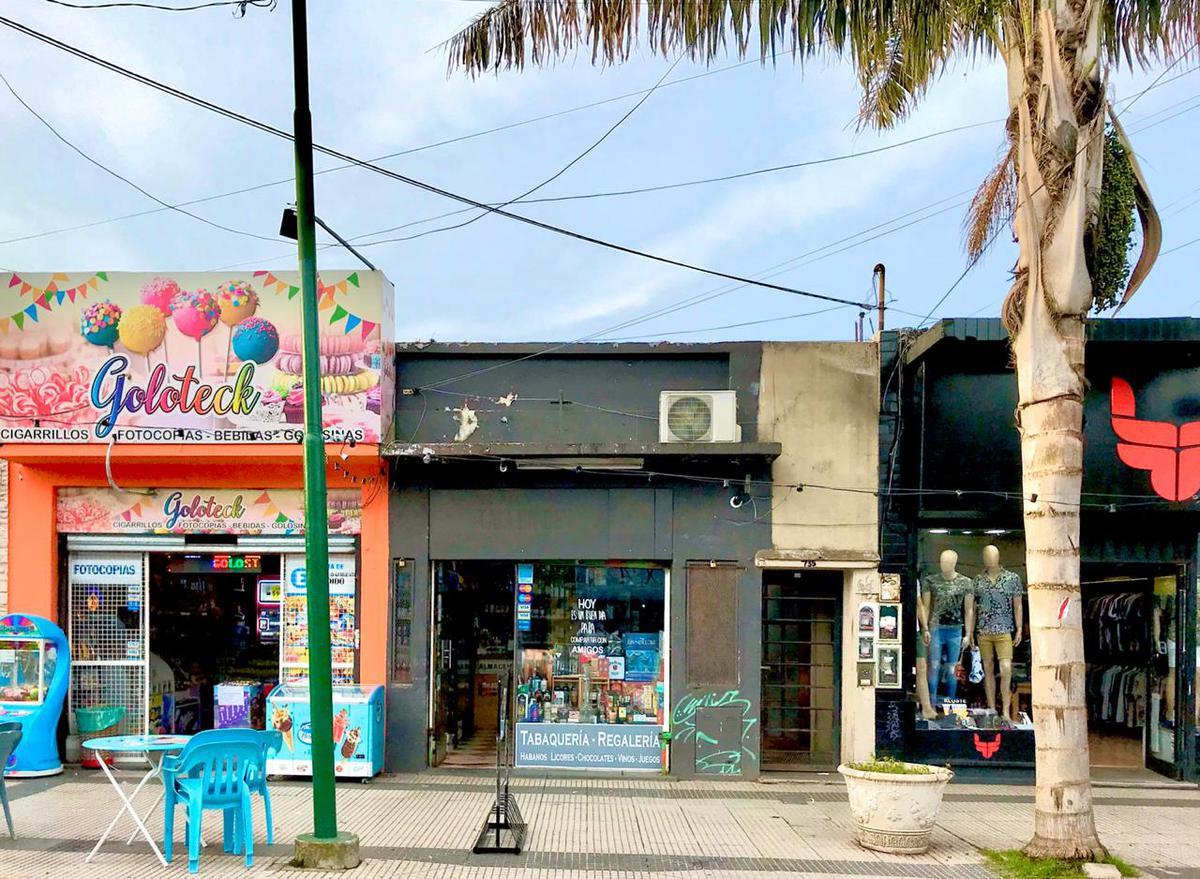 Foto Local en Alquiler en  Ituzaingó Norte,  Ituzaingó  Zufriategui al 700