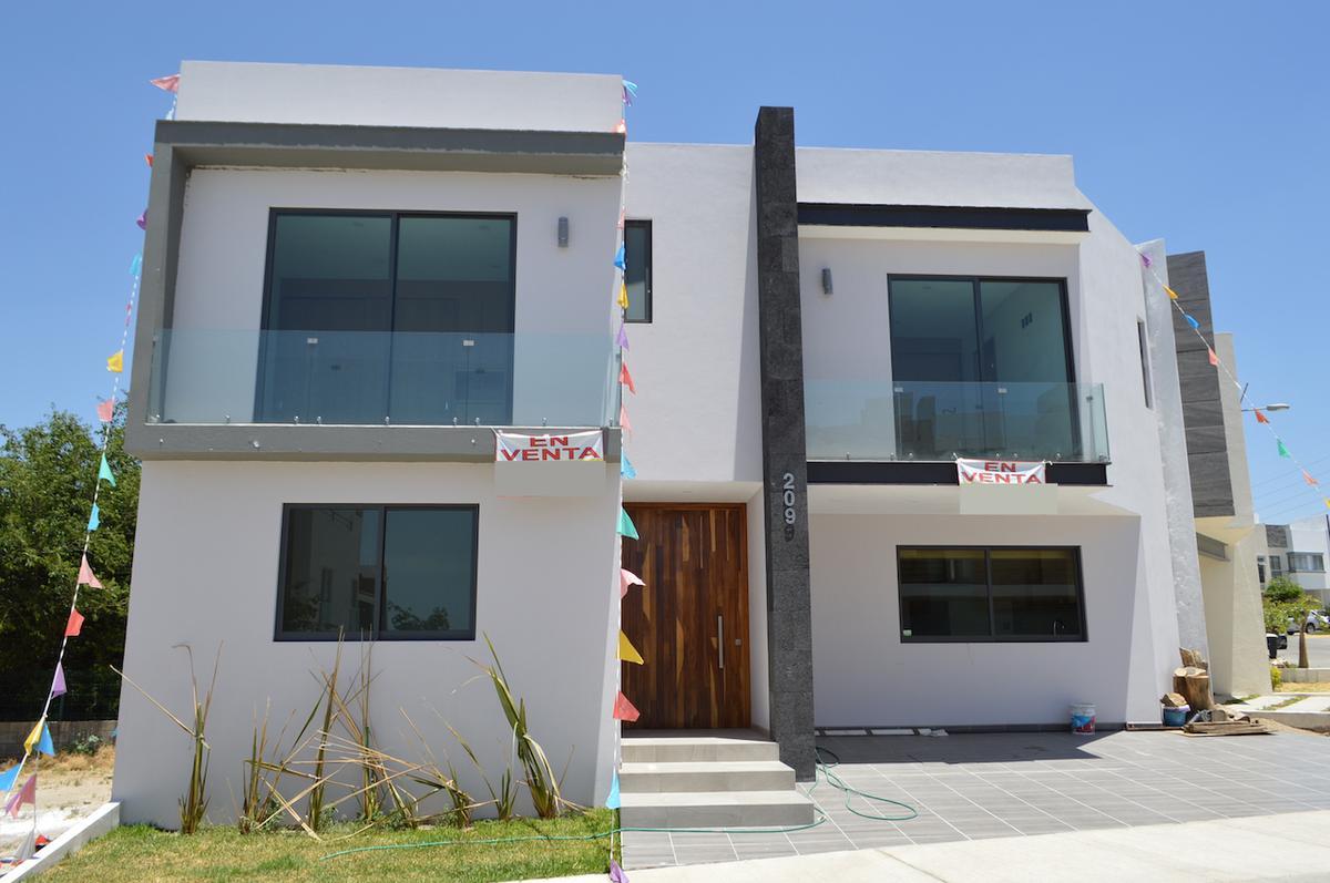 Foto Casa en Venta en  Altavista Residencial,  Zapopan  Av Altavista Poniente 450 209