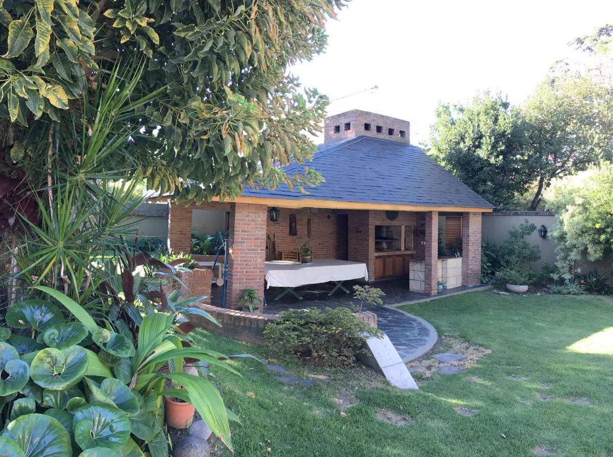 Foto Casa en Venta en  Mart.-Libert./Rio,  Martinez  Muñiz al 1200