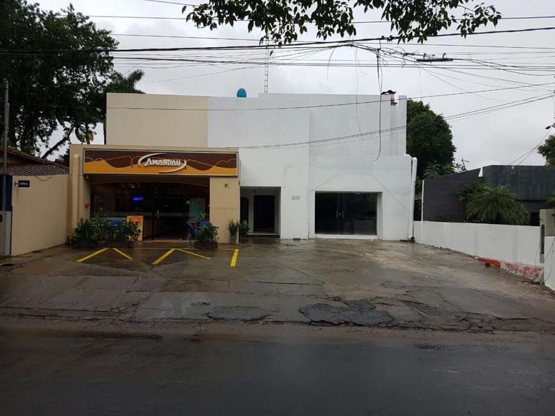 Foto Local en Alquiler en  Las Carmelitas,  Santisima Trinidad  Zona Avda. San Martín y España