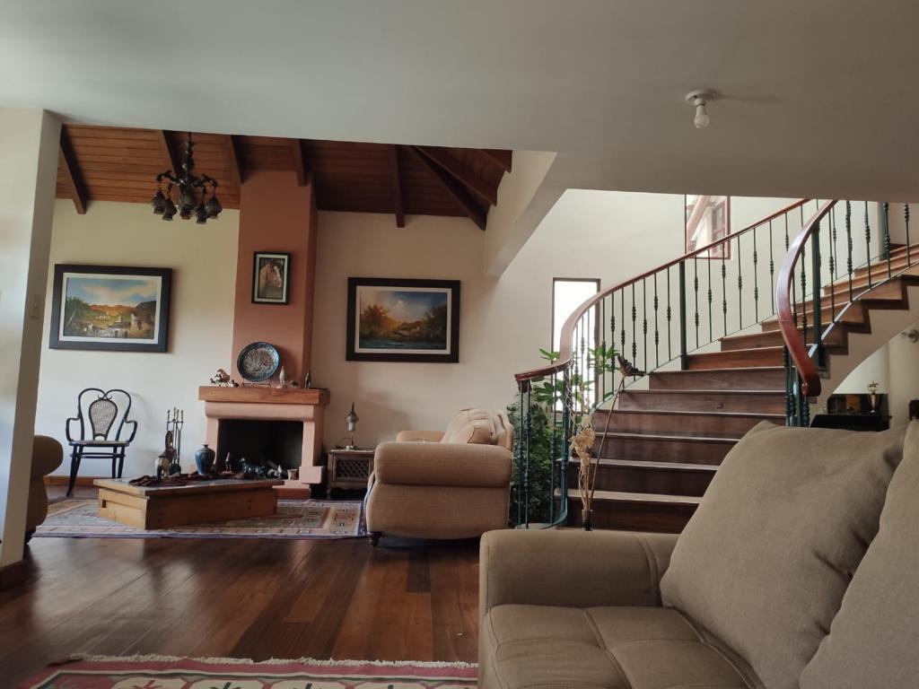 Picture House in Sale in  Cuenca ,  Azuay  Primero de Mayo