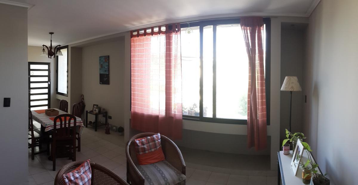 Foto Departamento en Alquiler en  Guadalupe,  Santa Fe  A pasos de la Costanera, dos dormitorios con placard, estar comedor, cocina, extractor y alacena