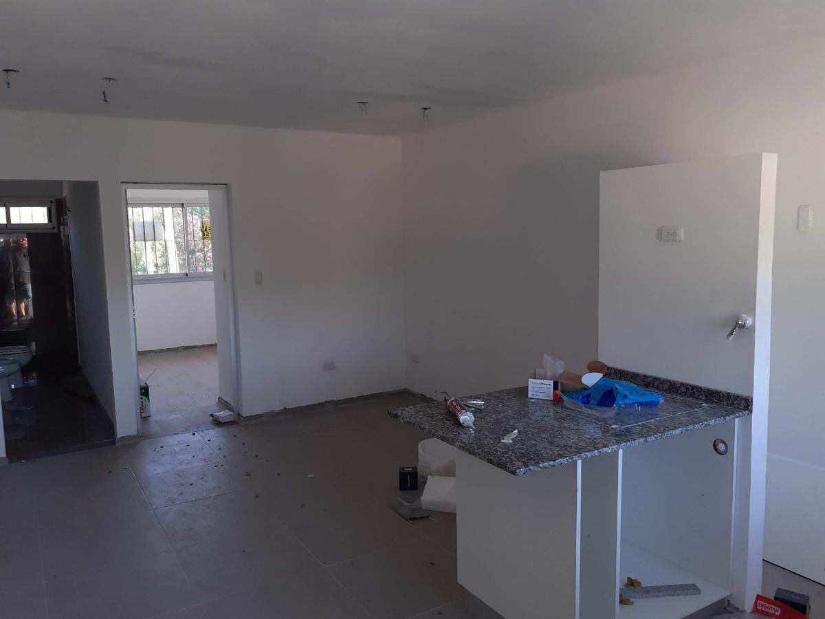 Foto Departamento en Venta en  Rosario ,  Santa Fe  CAMINO DE LAS CARRETAS al 8200