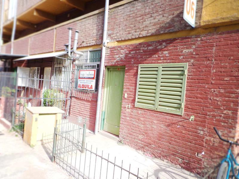 Foto Departamento en Alquiler en  General Pico,  Maraco  Peatonal 2 de Abril e/ Peat. Soledad y Peat. San Carlos
