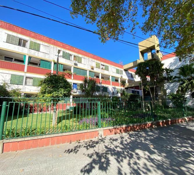 Foto Departamento en Venta en  Rosario ,  Santa Fe  Avellaneda  1800 00°