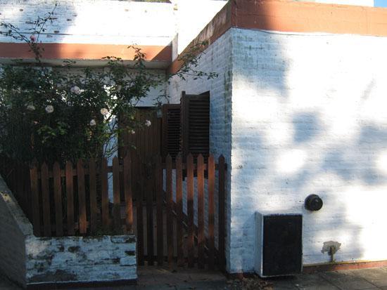 """Foto Casa en Venta en  Adrogue,  Almirante Brown  BOUCHARD nº 1711, depto """"C"""", entre Drumond y Plaza Azopardo"""