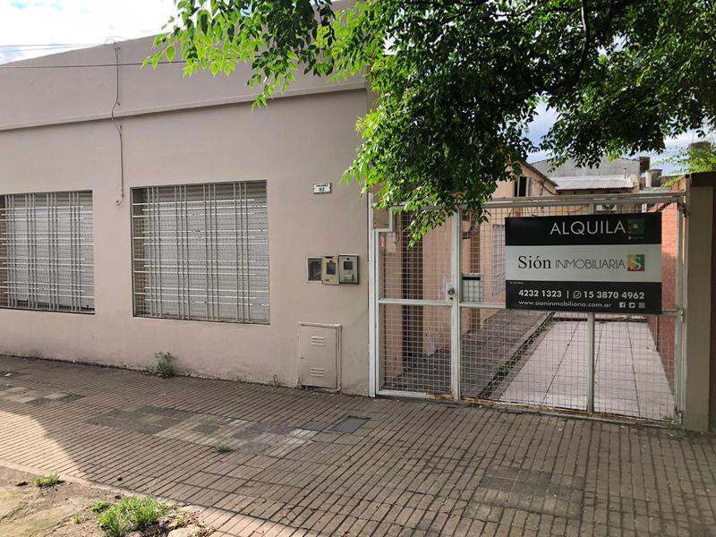 "Foto PH en Alquiler en  Ezeiza ,  G.B.A. Zona Sur  Chacabuco 85 ""2"""