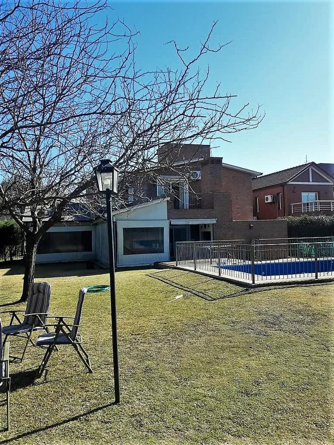 Foto Casa en Alquiler en  Jockey Club,  Cordoba  Country Jockey Club