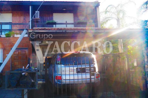 Foto Casa en Venta en BECQUER, GUSTAVO A. entre LA CAUTIVA y , Argentina   G.B.A. Zona Oeste   Ituzaingó