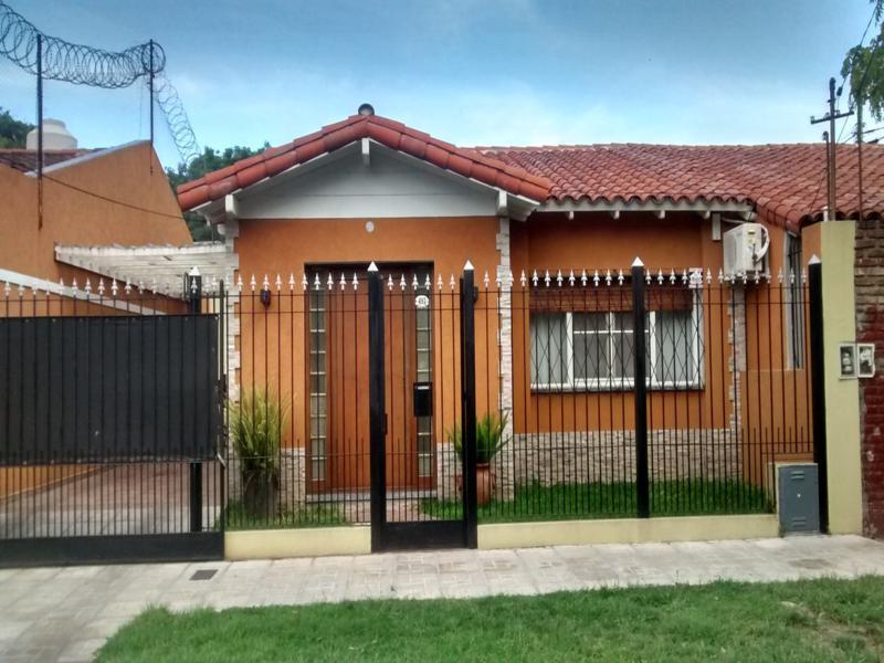 Foto Casa en Venta en  San Miguel,  San Miguel  Rodriguez Peña al 400