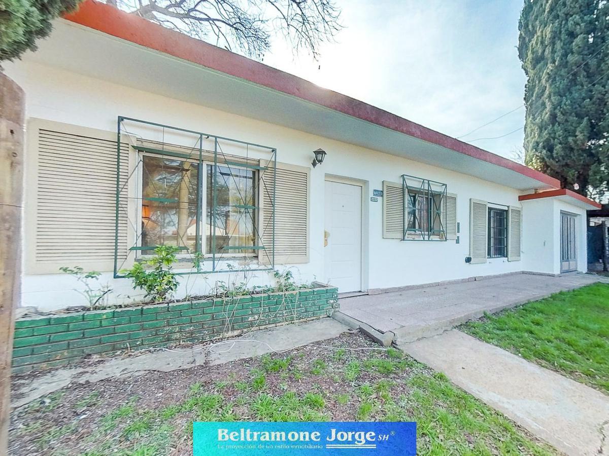 Foto Casa en Venta en  B.Parque Field,  Rosario  Walt Disney al 2200