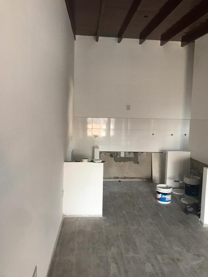 Foto Departamento en Venta | Alquiler en  Turdera,  Lomas De Zamora  Puig 608