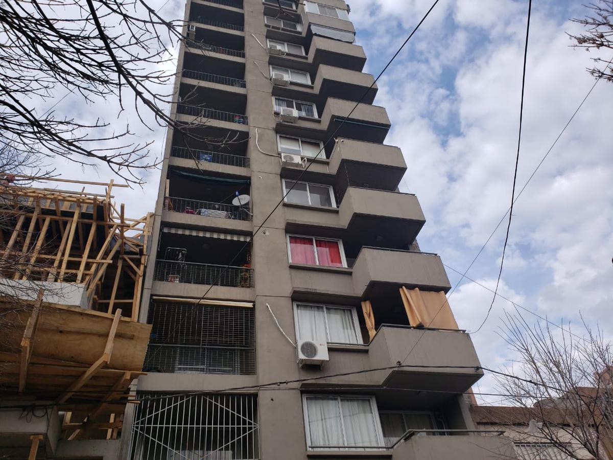 Foto Departamento en Alquiler en  Luis Agote,  Rosario  CRESPO al 1200