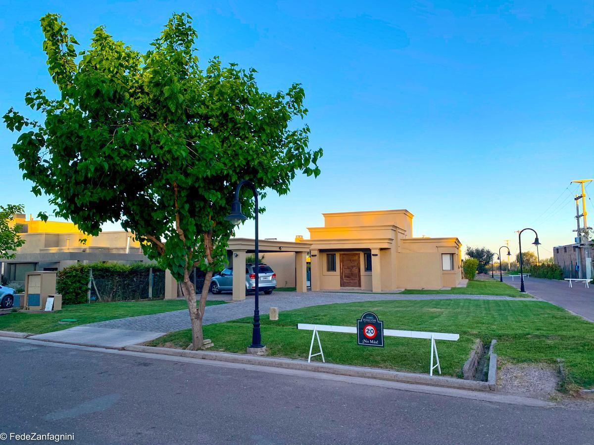 Foto Casa en Venta en  Lujan De Cuyo ,  Mendoza  Rincon de Terrada