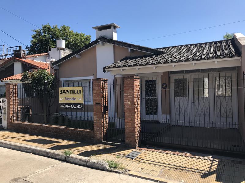 Foto Casa en Venta en  Lomas de Zamora Oeste,  Lomas De Zamora  MATHEU 38