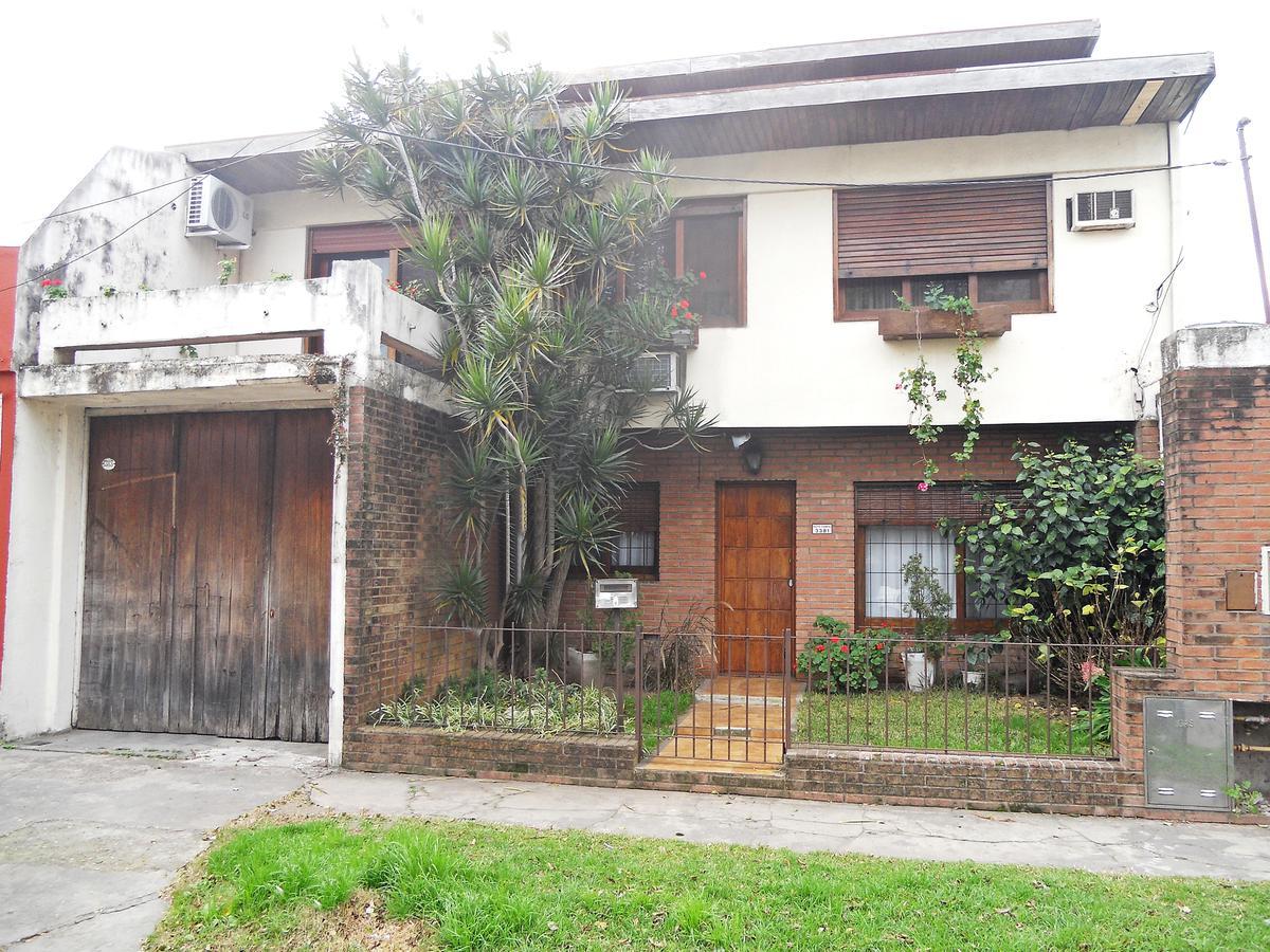Foto Casa en Venta en  Munro,  Vicente López  Sargento Cabral al 3300