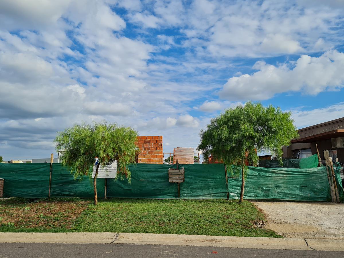Foto Casa en Venta en  San Ramiro ,  Pilar Del Este  San Ramiro, Pilar del Este
