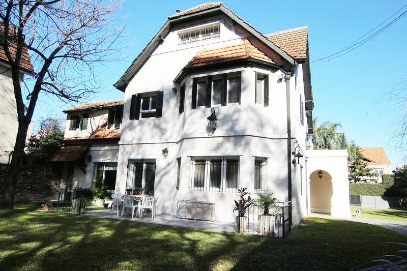 Foto Casa en Venta |  en  Olivos-Vias/Maipu,  Olivos  SALTA al 2800