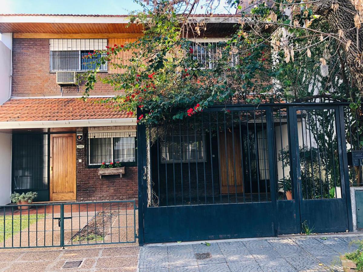 Foto Casa en Venta en  Mart.-Santa Fe/Fleming,  Martinez  Pringles al 1700, Martinez