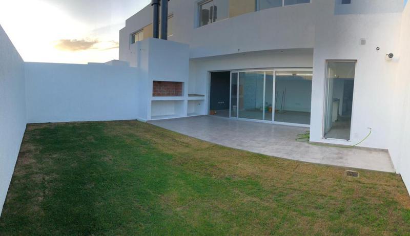 Foto PH en Venta en  San Ignacio,  Cordoba Capital  San Ignacio Village - A Estrenar !! 3 Dormitorios !!