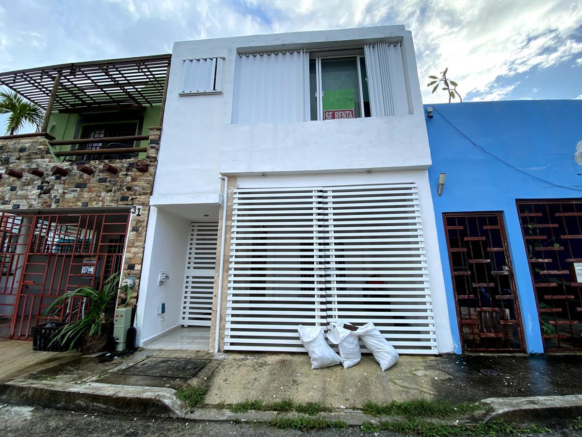 Foto Casa en Renta en  Bosque Real,  Solidaridad  CASA DE 2 REC. EN BOSQUE REAL CERCA DE LA PLAYA