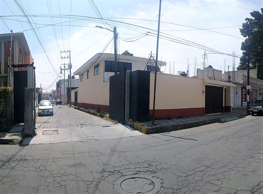 Foto Casa en Renta en  San Jerónimo Chicahualco,  Metepec  CASA EN RENTA, EN ESQUINA CON DOS FRENTES Y A DOS CUADRAS DE LAS TORRES