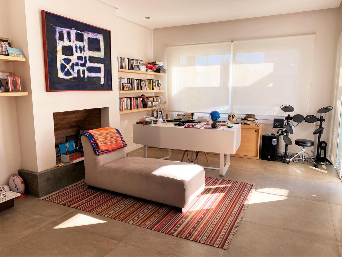 Foto Casa en Alquiler en  Carrasco ,  Montevideo  Los Olivos
