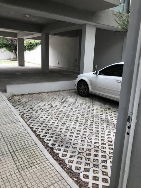 Foto Cochera en Alquiler en  La Lucila,  Vicente Lopez  Av. del Libertador al 3200