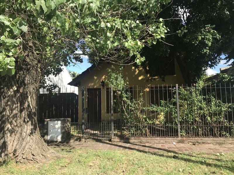 Foto Casa en Venta en  Ituzaingó Norte,  Ituzaingó  Emperanza al 1000