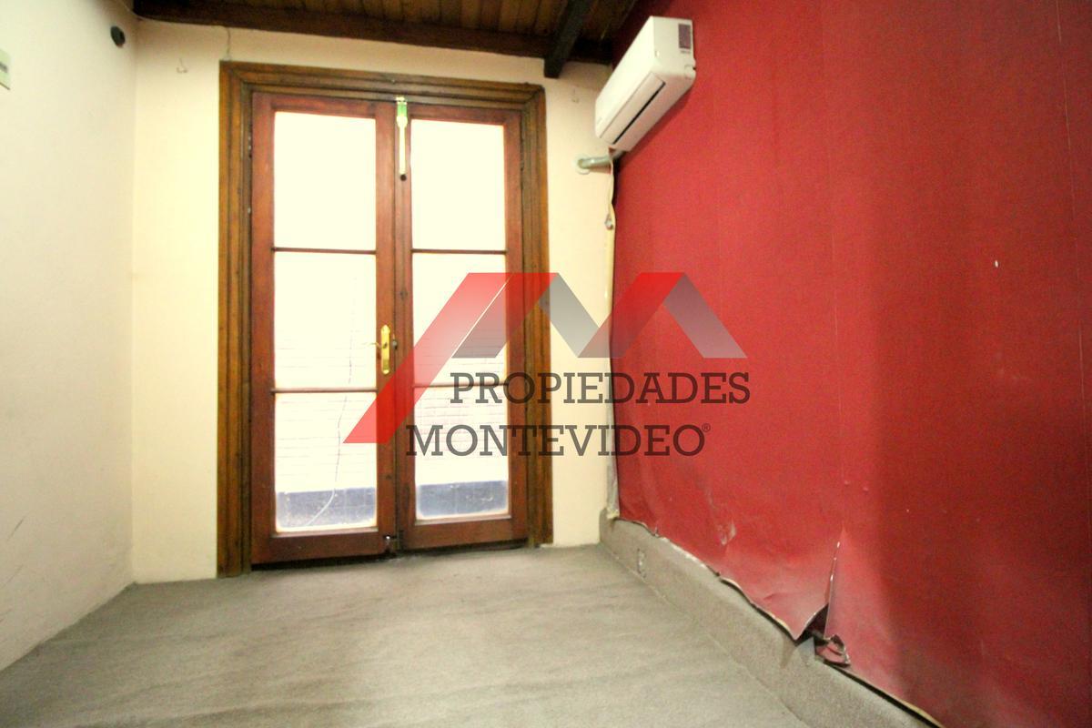 Foto Casa en Venta en  Cordón ,  Montevideo  Cordón, Av. Fernandez Crespo al 1800