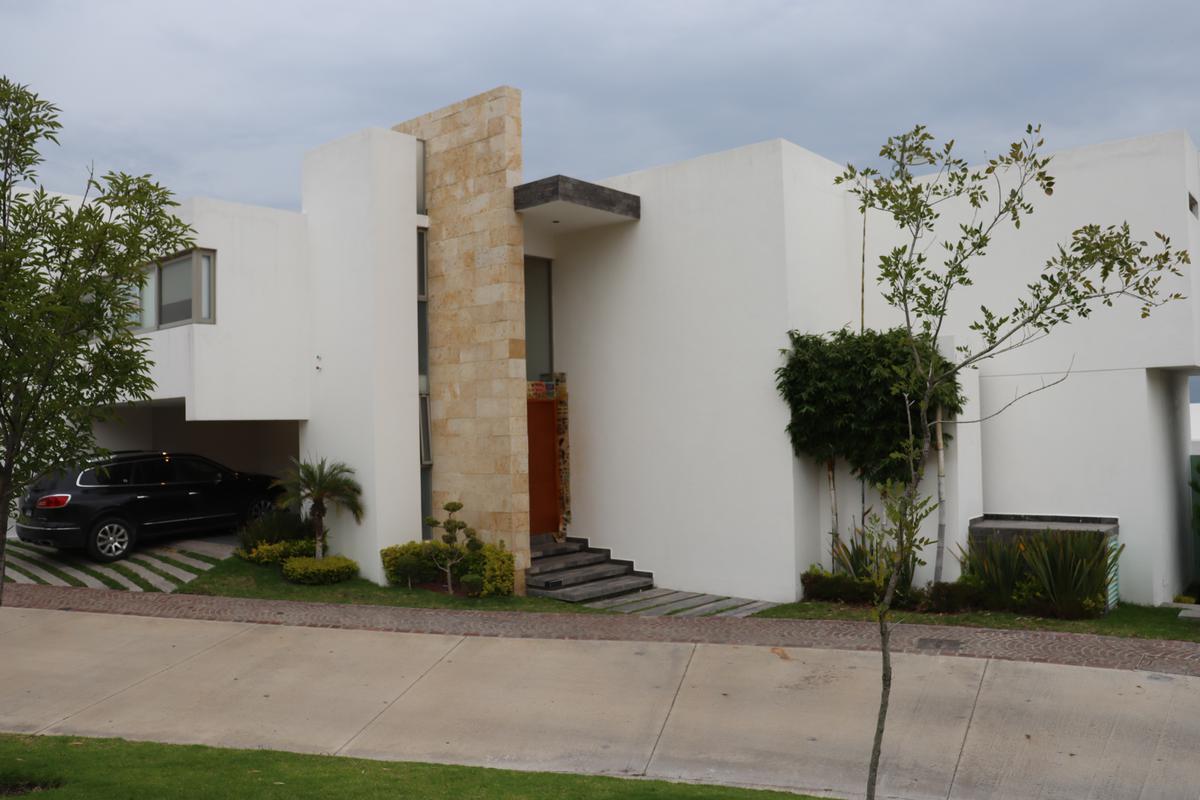 Foto Casa en Renta en  Sierra Azúl,  San Luis Potosí  2a Privada de Sierra Azul No. 64, Fracc. Sierra Azul, S.L.P., S.L.P