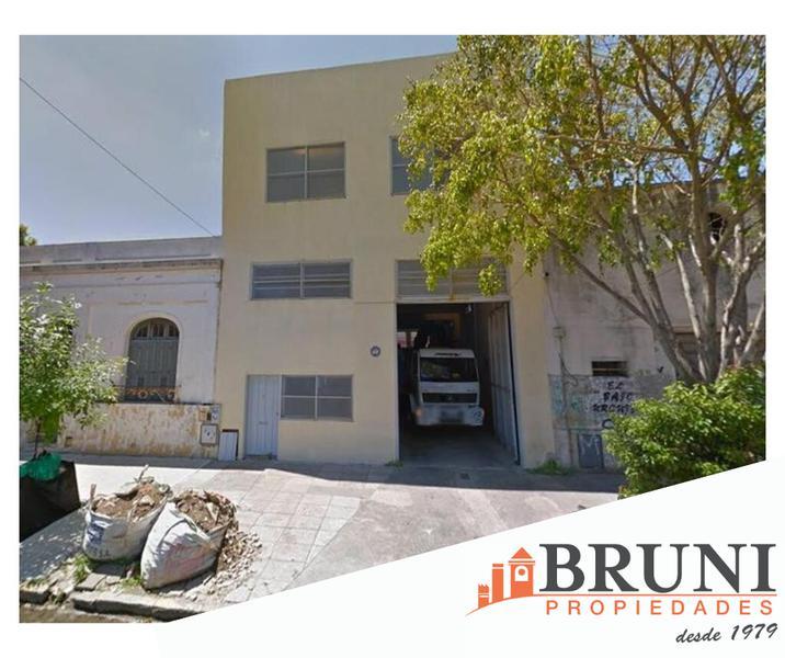Foto Galpón en Alquiler en  Villa Urquiza ,  Capital Federal  Aizpurua al 3200