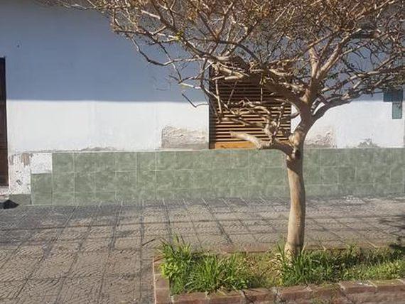 Foto Casa en Venta en  Valentin Alsina,  Lanus  Callao al 2900