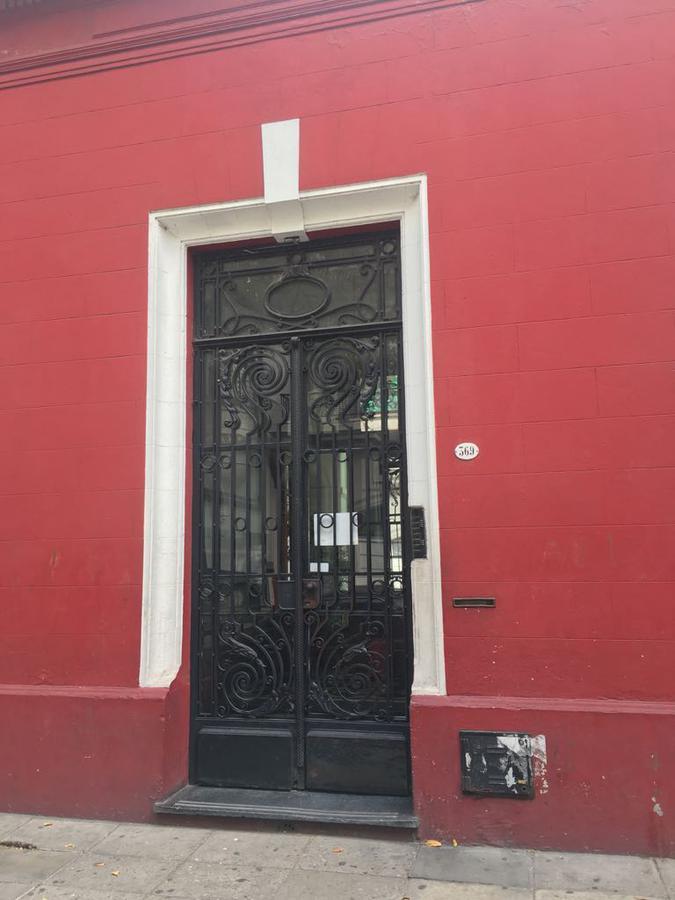 Foto Departamento en Alquiler en  Balvanera ,  Capital Federal  Rincón al 300