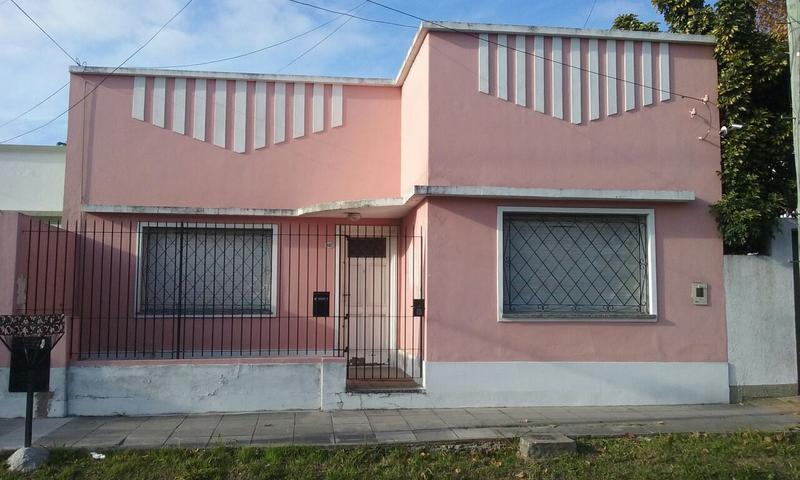 Foto Casa en Venta en  Temperley Oeste,  Temperley  Avellaneda 1082