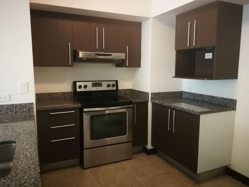 Foto Departamento en Venta en  Uruca,  San José  Amplio Apartamento en Céntrica Ubicación