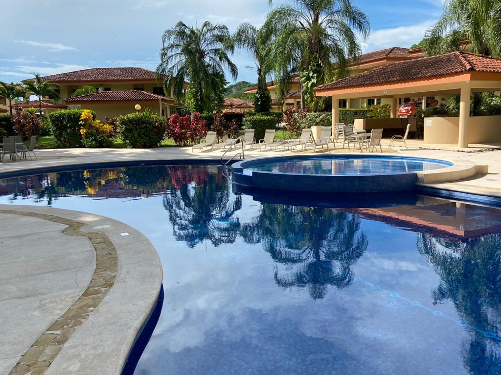 Foto Casa en condominio en Venta en  Garabito ,  Puntarenas  Playa y Montaña / Amueblada / Punta Leona / Ideal Airbnb