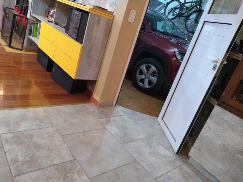 Foto Casa en Venta en  Lomas de Zamora Este,  Lomas De Zamora  LAMADRID 585
