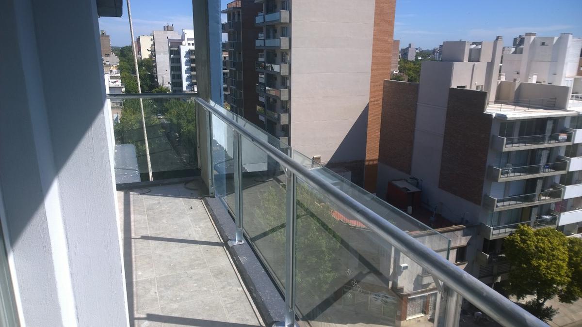 Foto Departamento en Venta en  Macrocentro,  Rosario  Ituzaingo 92
