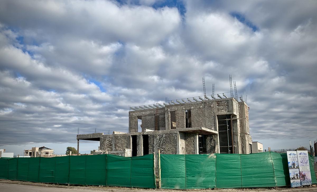 Foto Casa en Venta en  San Martin ,  Mendoza  La Carmelina Club de Campo (O4)