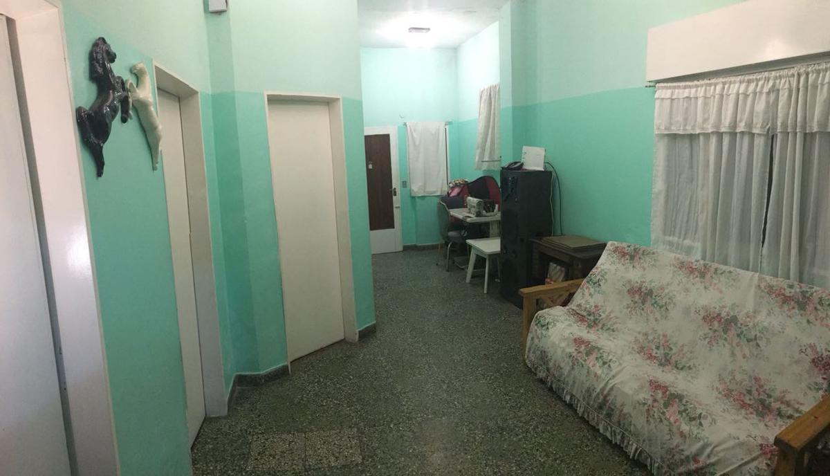 Foto Casa en Venta en  Caseros,  Tres De Febrero  Bouchard al 3400