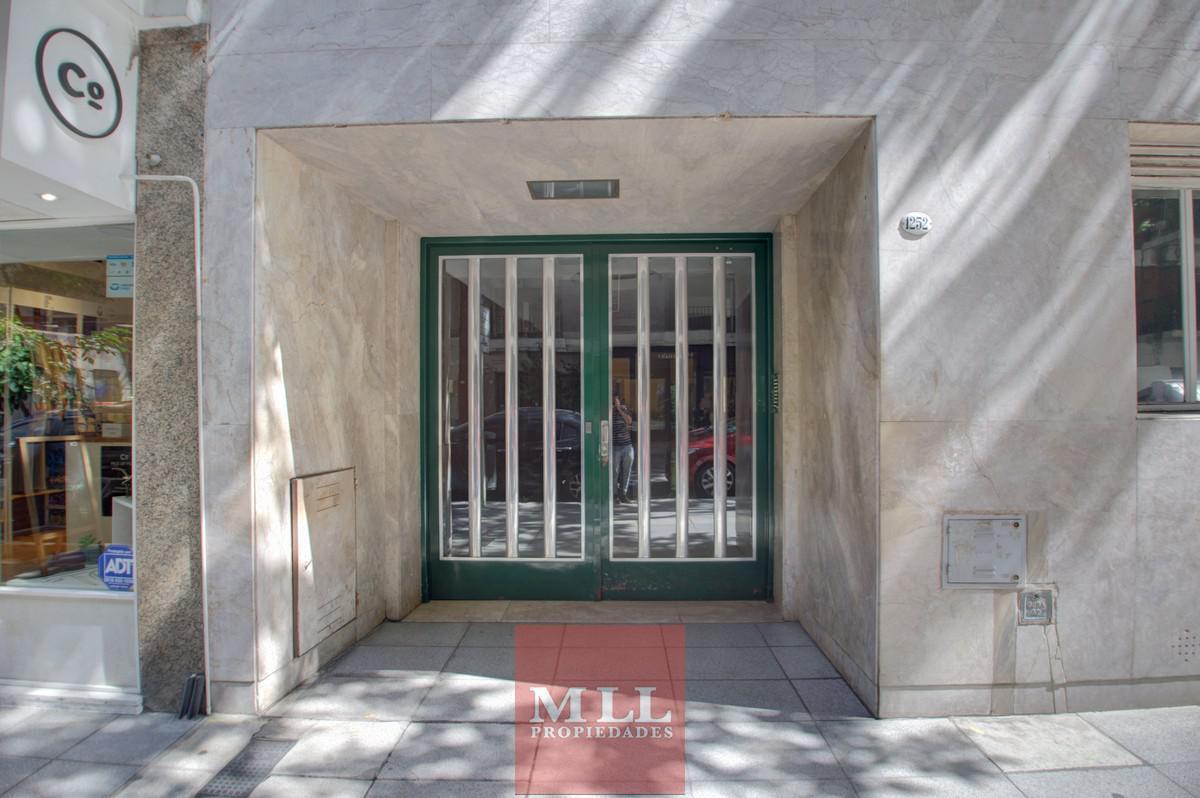 Foto Departamento en Venta en  Recoleta ,  Capital Federal  Uruguay y Arenales, 7 Piso