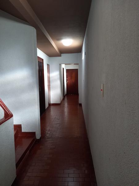 Foto Departamento en Alquiler en  Balvanera ,  Capital Federal  Av. Rivadavia al 2300