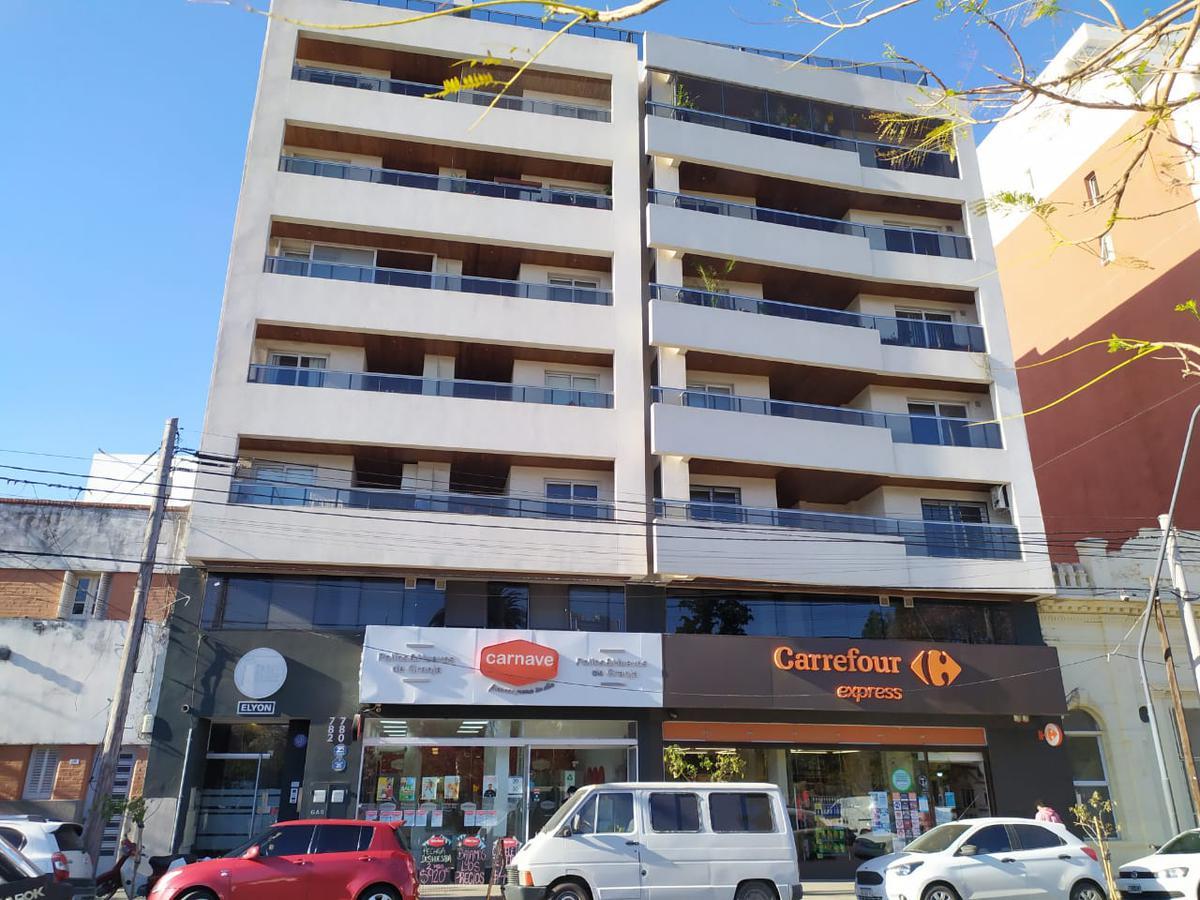 Foto Departamento en Venta en  Alta Cordoba,  Cordoba Capital  Depto de 1 dorm frente a plaza Rivadavia, mejor zona de Alta Córdoba!